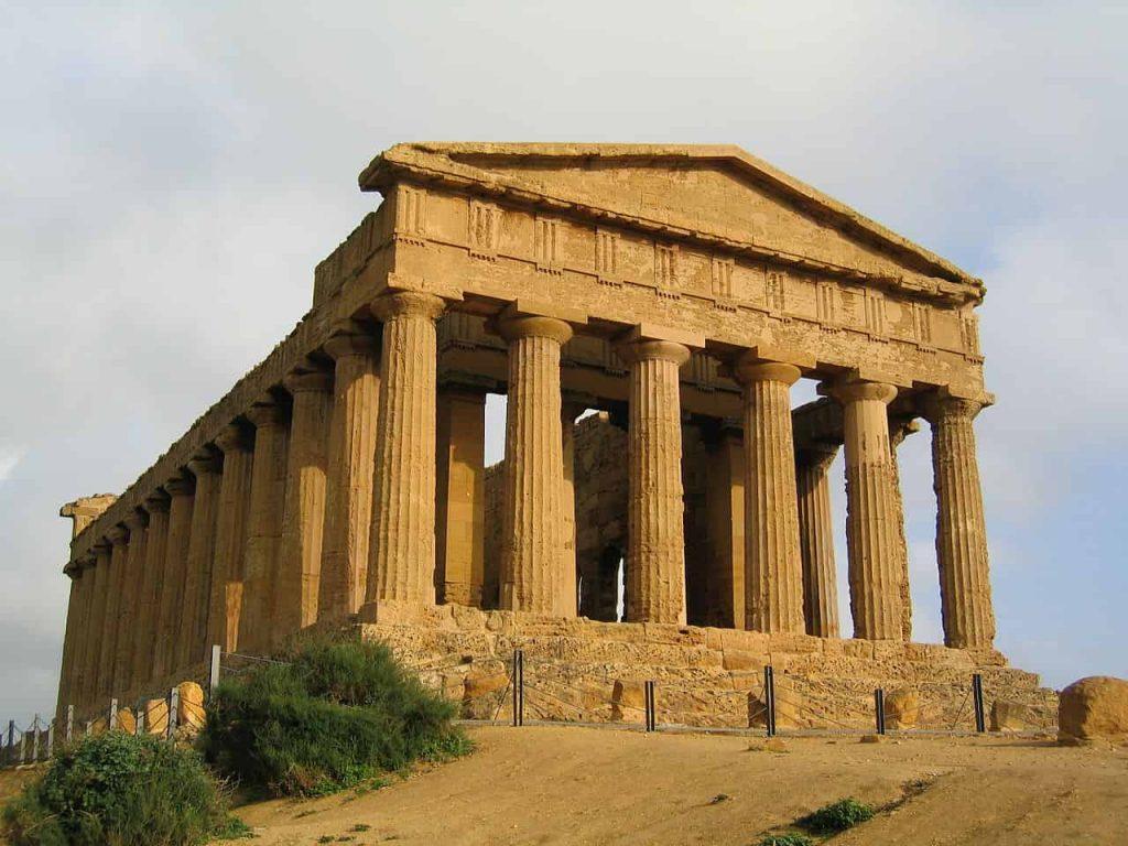 Templo de la Concordia, Agrigento. Templo de orden dórico.