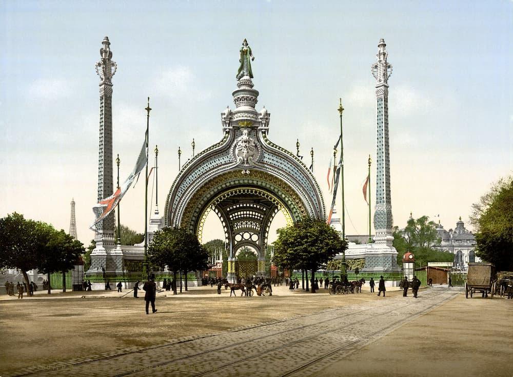 ENTRADA A LA EXPOSICIÓN UNIVERSAL DE PARÍS 1900