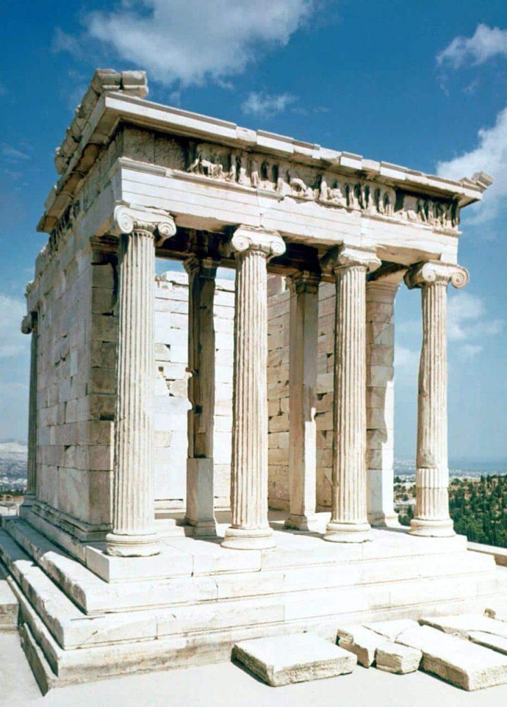Templo de Atenea Nike en Atenas. Ejemplo de templo jónico griego.